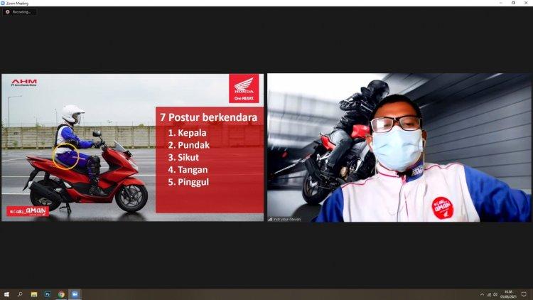 40 Guru PGRI Siak dapat Bekal Safety Riding dari Capella Honda Riau Melalui Webinar