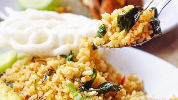 Cara Membuat Nasi Goreng Kemangi Crispy yang Enak